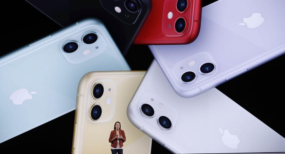 Telefonlar için Siyah, Yeşil, Sarı, Mor, Kırmızı, Beyaz renk seçenekleri sunuluyor.