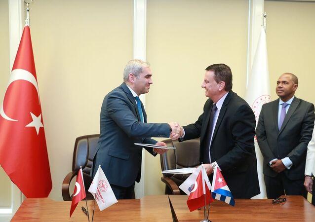 Türkiye İlaç ve Tıbbi Cihaz Kurumu'muz (TİTCK) ile Küba Devlet İlaç ve Tıbbi Cihazların Kontrol Merkezi (CECMED) arasında Mutabakat Zaptı imzalandı.