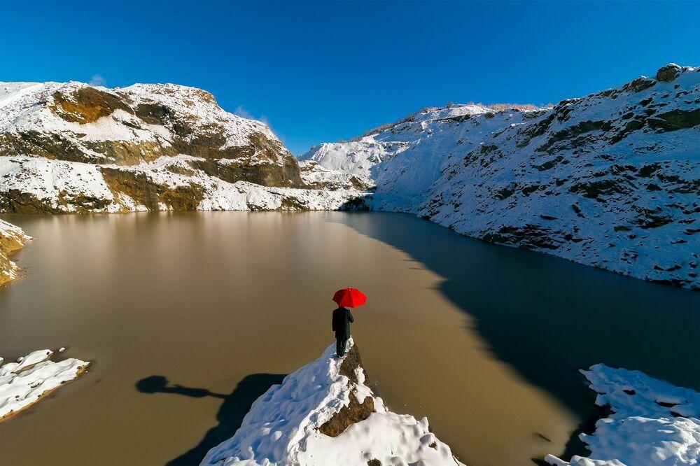 Fotoğrafçı Ramazan Çirakoğlu'nun Kırmızı Göl isimli çalışması.