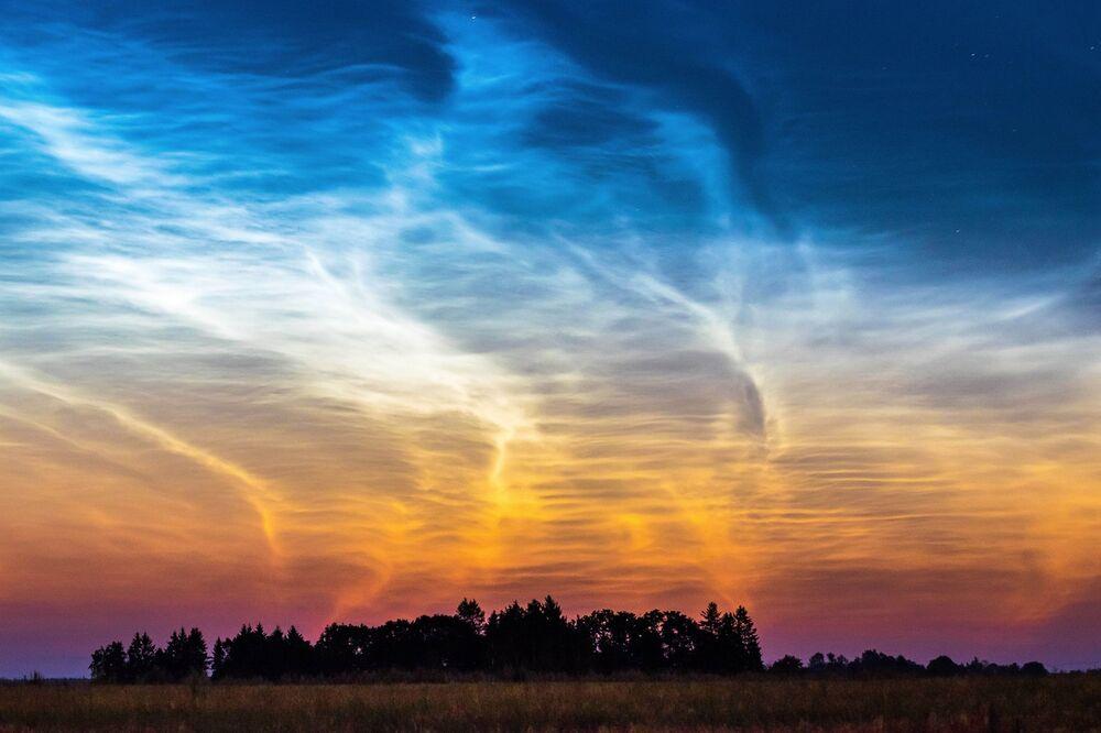 Fotoğrafçı Kairo Kiitsak'ın 'Parlayan Bulutlar' görüntüsü.