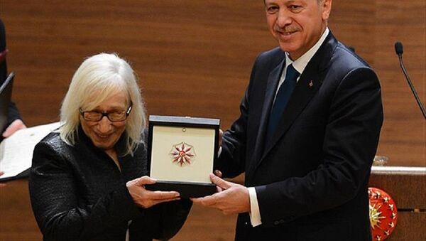 Alev Alatlı, Recep Tayyip Erdoğan - Sputnik Türkiye