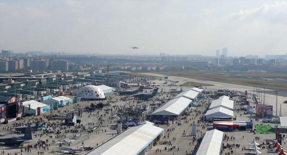 Türkiye'nin en büyük teknoloji etkinliği TEKNOFEST İstanbul Havacılık, Uzay ve Teknoloji Festivali (TEKNOFEST İstanbul) Atatürk Havalimanı'nda başladı.