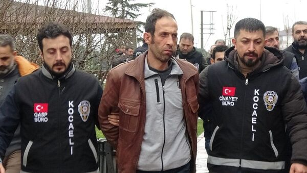 Tuncer Ustael - Sputnik Türkiye