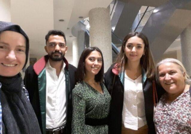 İstanbul'da bindiği minibüste taciz ve hakarete uğrayan Asena Melisa Sağlam, yargı sürecinde gelinen son noktayı RS FM'in canlı yayınında anlattı.