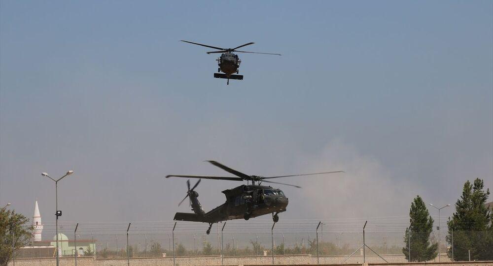 TSK ve ABD Silahlı Kuvvetleri unsurlarının Suriye'de Fırat'ın doğusunda güvenli bölge birinci safha uygulamaları kapsamında altıncı ortak helikopter uçuşu