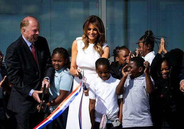ABD Başkanı Donald Trump'ın eşi First Lady Melania Trump Washington Anıtı'nın yeniden açılışı için yapılan törene katıldı