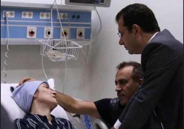 Neslican Tay'ın ailesini hastanede ziyaret eden İmamoğlu gözyaşlarını tutamadı