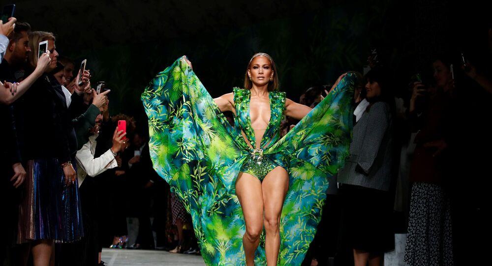 Jennifer Lopez- Vogue