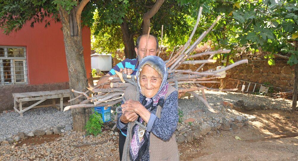 Osmanlı Devleti'nin son dönemlerinde dünyaya gelen Fatma Traş