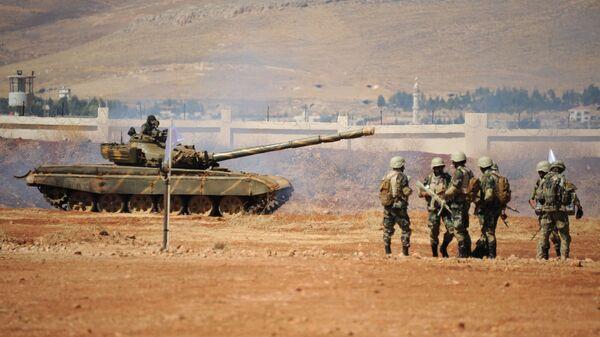 Rus ordusundan Suriye'li askerlere eğitim - Sputnik Türkiye