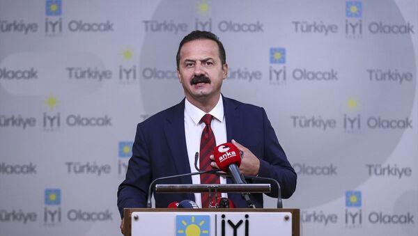 İYİ Parti Sözcüsü Yavuz Ağıralioğlu, partisinin Başkanlık Divanı Toplantısı'nın ardından gazetecilere açıklama yaptı. - Sputnik Türkiye