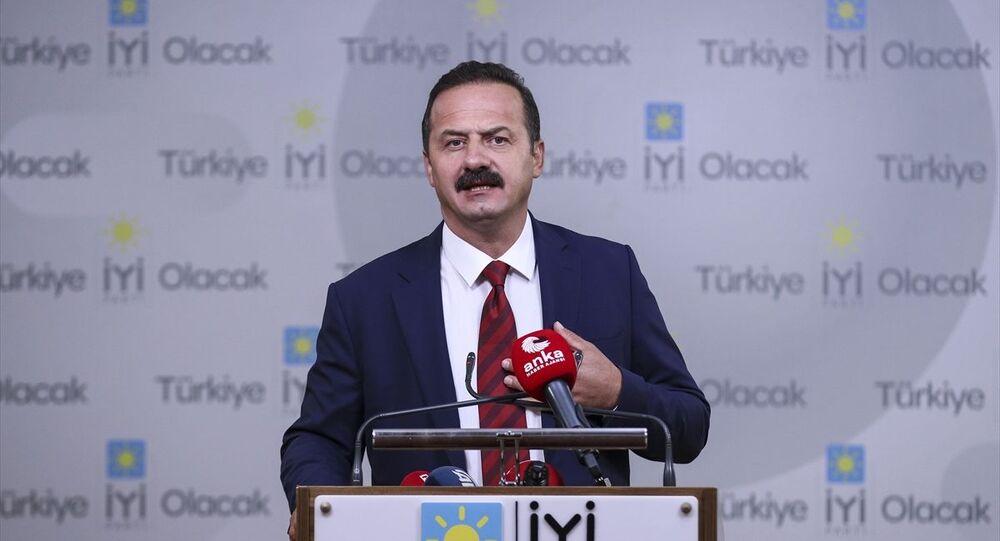 İYİ Parti Sözcüsü Yavuz Ağıralioğlu, partisinin Başkanlık Divanı Toplantısı'nın ardından gazetecilere açıklama yaptı.