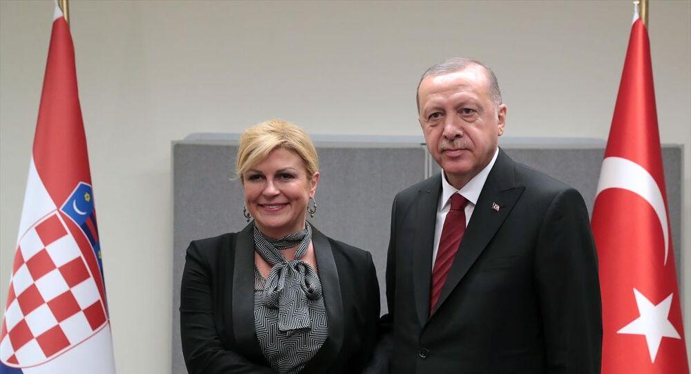 Türkiye Cumhurbaşkanı Recep Tayyip Erdoğan, Birleşmiş Milletler (BM) 74'üncü Genel Kurul görüşmeleri için bulunduğu New York'ta, Hırvatistan Cumhurbaşkanı Kolinda Grabar Kitaroviç ile görüştü.