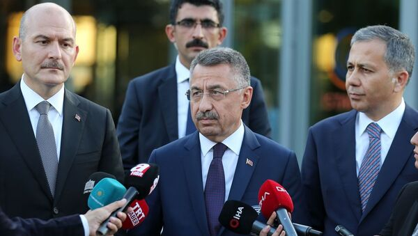 Cumhurbaşkanı Yardımcısı Fuat Oktay, İstanbul AFAD'da açıklamalarda bulundu. - Sputnik Türkiye