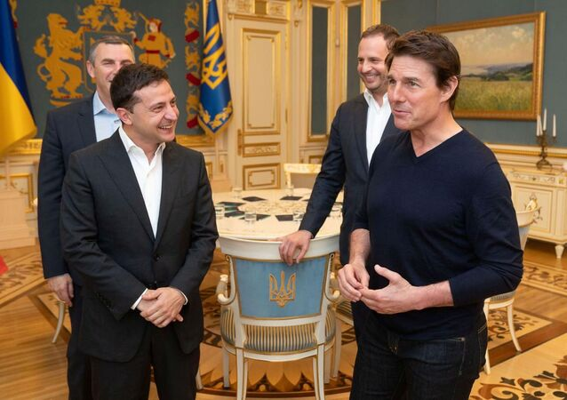 Tom Cruise, Kiev'de Ukrayna Devlet Başkanı Vladimir Zelenskiy tarafından kabul edilirken