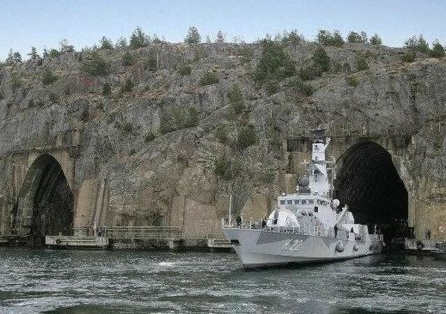 İsveç Deniz Kuvvetleri Komutanlığı'nın, Muskö adasında bulunan Soğuk Savaş dönemine ait bir yer altı üssüne taşındığı belirtildi.
