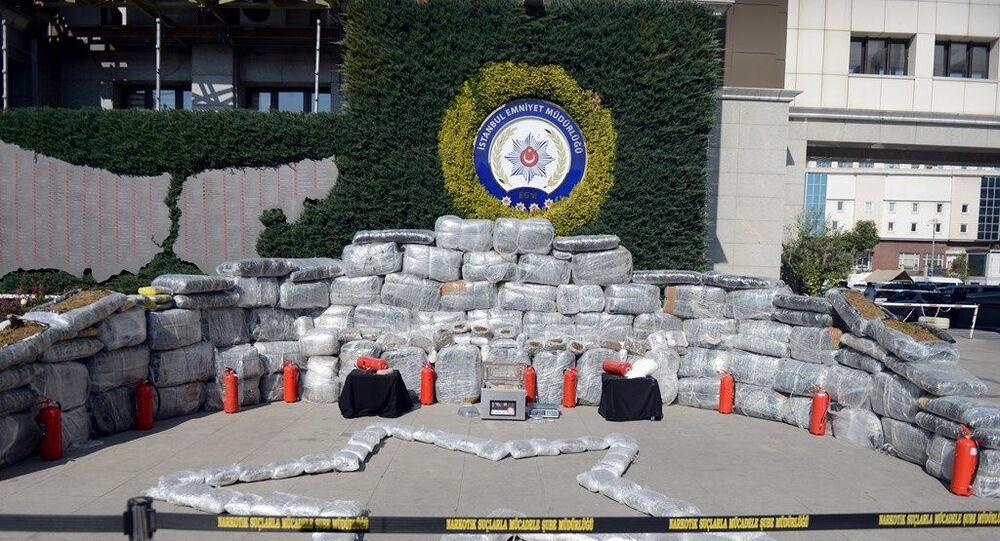 İstanbul'da son yılların en büyük uyuşturucu operasyonu: 1 ton 881 kilo uyuşturucu ele geçirildi