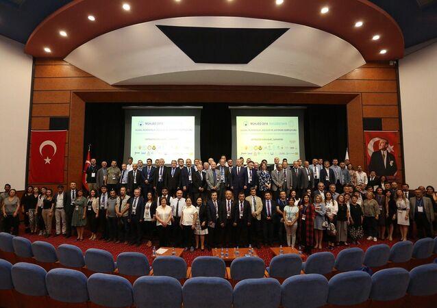 Mühendislik Jeolojisi Derneğinin bu yıl üçüncüsünü düzenlediği Ulusal Mühendislik Jeolojisi ve Jeoteknik Sempozyumu (MÜHJEO 2019), Pamukkale Üniversitesi ev sahipliğinde başladı.