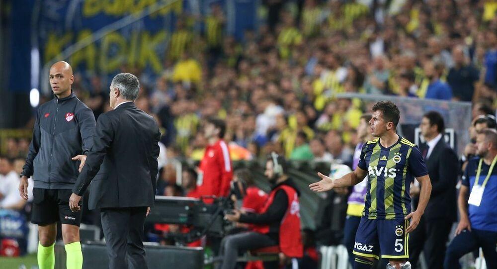 Fenerbahçe, Süper Lig'in 7. haftasında Antalyaspor ile Ülker Stadı'nda karşılaştı. Hakem Yaşar Kemal Uğurlu, yedek kulübesinde otururken dördüncü hakem ile tartışan Emre Belözoğlu'na (5) sarı kart gösterdi.