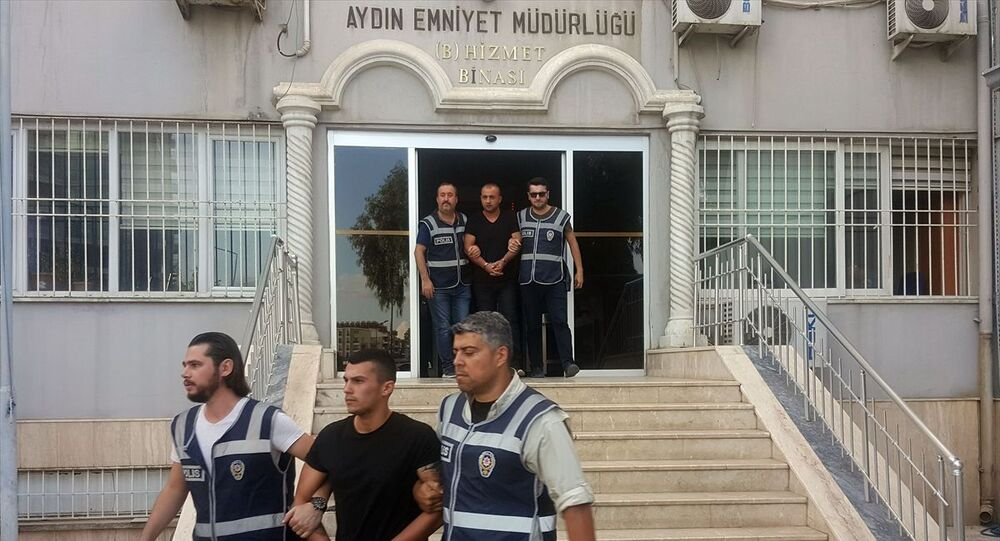 Aydın'da CHP Efeler İlçe Başkanı Polat Bora Mersin'in darbedilmesine ilişkin gözaltına alınan 3 zanlı serbest bırakıldı.