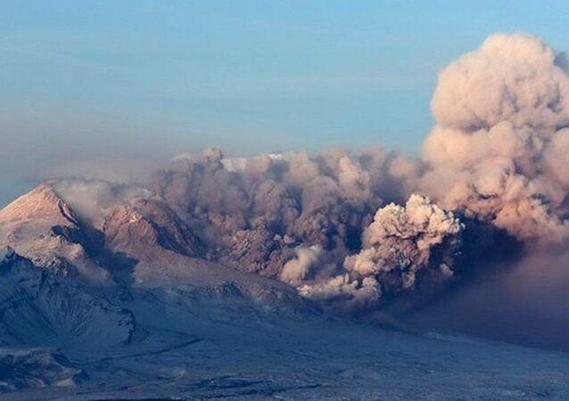 Kamçatka'daki Şiveluç yanardağı