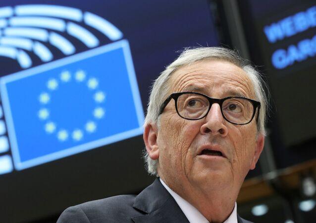 Avrupa Komisyonu Başkanı Jean-Claude Juncker, AB liderler zirvesi hazrılıkları hakkında Avrupa Parlamentosu'nu bilgilendirirken