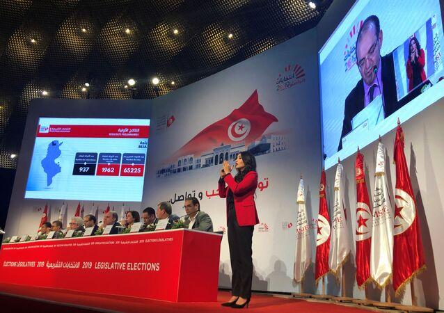 Tunus'ta pazar günü gerçekleştirilen parlamento seçimlerinin resmi sonuçlarına göre Nahda Hareketi, 52 milletvekili çıkararak birinci oldu