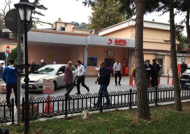 İstanbul Balta Limanı Kemik Hastalıkları Hastanesi'nde görevli 2 doktorun aralarında çıkan bıçaklı kavgada 1 doktor hayatını kaybetti.