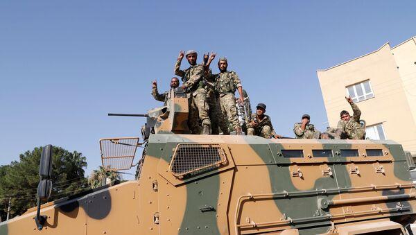 Barış Pınarı Harekatı'na katılan Suriye Milli Ordusu (eski adıyla Özgür Suriye Ordusu-ÖSO) mensupları - Sputnik Türkiye