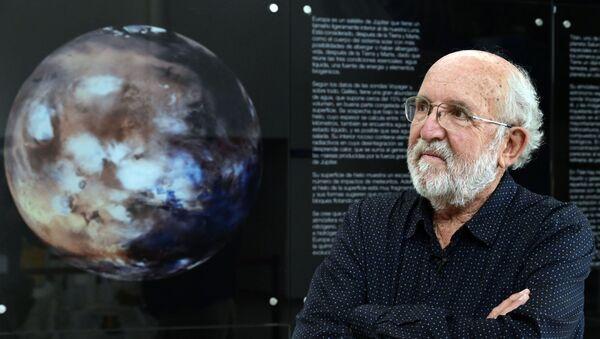 2019 Nobel Fizik Ödülü sahibi İsviçreli astrofizikçi Michel Mayor  - Sputnik Türkiye