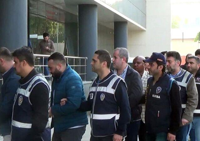 Bursa merkezli uluslararası dolandırıcılık şebekesine operasyon: 22 gözaltı