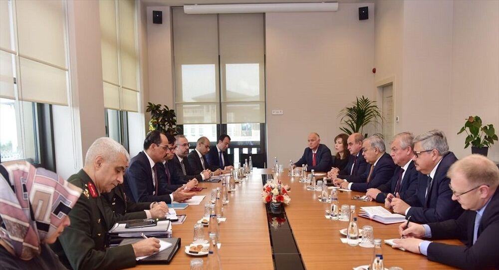 Cumhurbaşkanlığı Sözcüsü İbrahim Kalın, Rusya Federasyonu Suriye Özel Temsilcisi Aleksandr Lavrentyev ve beraberindeki heyetle görüştü.