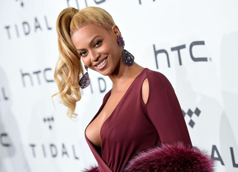 Yüzde 92,44 ile ikinci seçilen ABD'li şarkıcı  Beyonce Knowles.