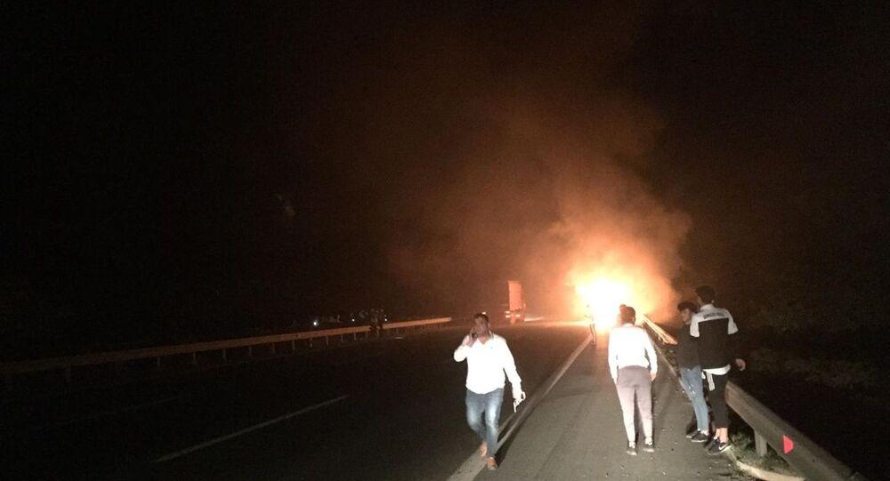 Bursa Süper Amatör Ligi A Grubu'nda mücadele eden Gençlergücü Futbol Kulübü oyuncularını taşıyan otobüste yangın çıktı.