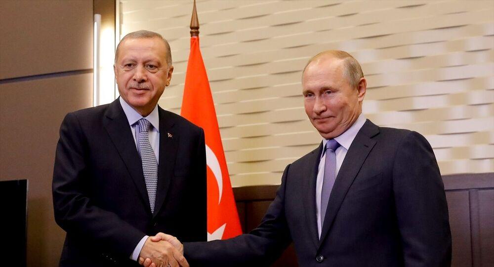Türkiye Cumhurbaşkanı Recep Tayyip Erdoğan ve Rusya Devlet Başkanı Vladimir Putin, Rusya'nın Soçi kentinde Devlet Başkanlığı Rezidansı'nda bir araya geldi.