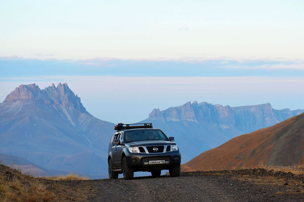 Kabardey-Balkar Cumhuriyeti'nde yer alan Сılı-Su ile Baksan Kanyonu arasındaki  Şaukam platosunun manzarası.