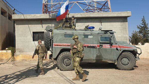 Rusya askeri polisi Kobani'de - Sputnik Türkiye