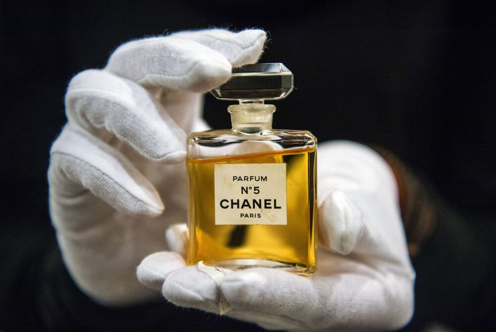 Chanel, %11'lik büyüme oranıyla 22,134 milyar dolarlık bir marka değerlemesine sahip.