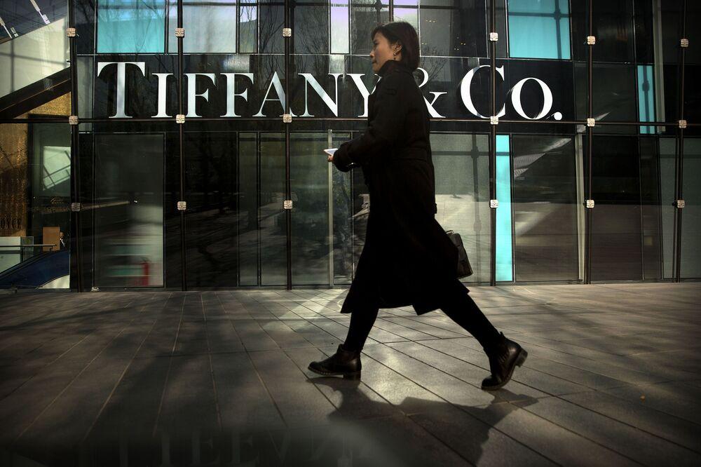 5,335 milyar dolarlık bir marka değerlemesine sahip olan Tiffany & Co.'nun marka değeri, bir önceki yıla göre %5 oranında azaldı. Bunun yanı sıra 2018 yılında tüm endüstrilerin dahil olduğu en iyi küresel markalar listesinde 83. sırada yer alan lüks markası, 2019 yılında ise 94. sırada yer aldı.