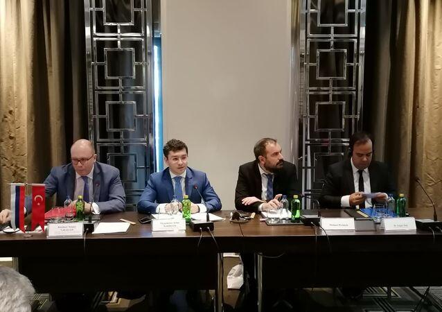 """Rusya Merkez Federal Bölgesi Yatırım Konseyi, """"Russian Road Show"""" isimli etkinlik çerçevesinde İstanbul'da toplantı gerçekleştirdi."""