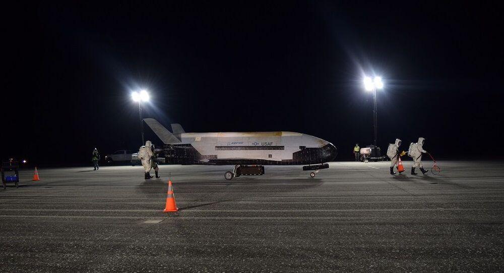 ABD Hava Kuvvetleri'ne ait X-37B insansız uzay uçağı