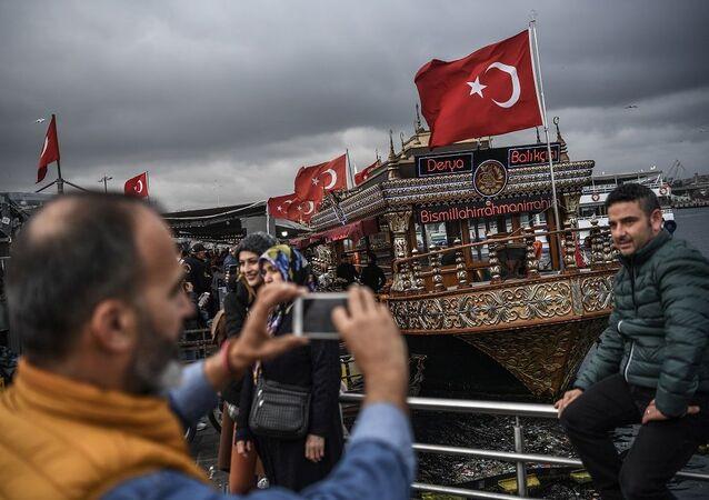 Eminönü'nde balık ekmek satan işyerleri