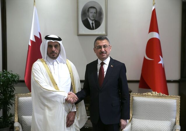 Cumhurbaşkanı Yardımcısı Fuat Oktay, Katar Başbakanı ve İçişleri Bakanı Şeyh Abdullah bin Nasır bin Halife Al Sani ile görüştü. Baş başa görüşmenin ardından Oktay ve Al Sani başkanlığında heyetler arası görüşme gerçekleştirildi.