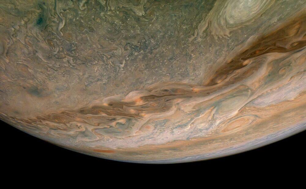 NASA'nın uzay aracı Juno tarafından elde edilen Jüpiter'in kuzey yarımküresi görüntüsü.