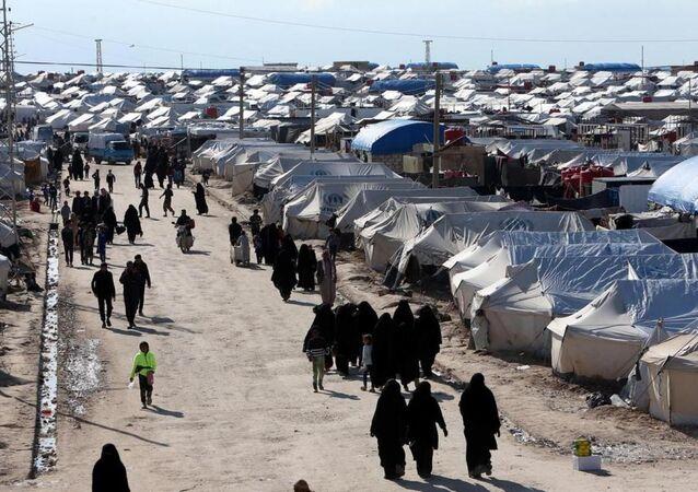 El Hol kampı