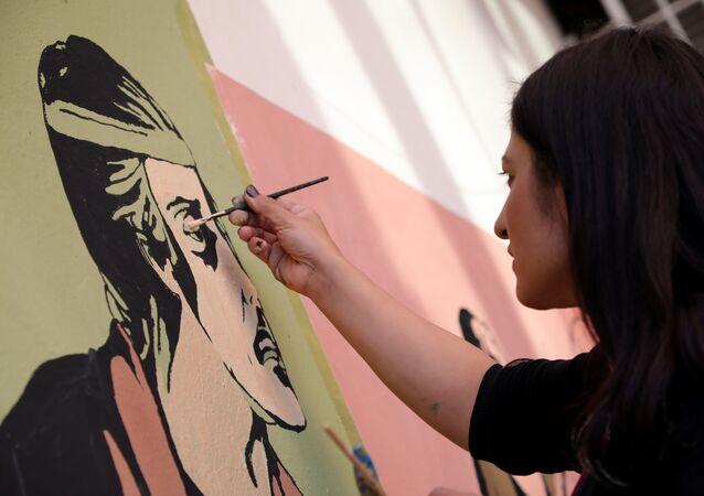 Kadın ressamlardan küfürlü duvar yazılarına sanatsal çözüm