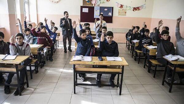 Suriyeli öğrenciler - Sputnik Türkiye