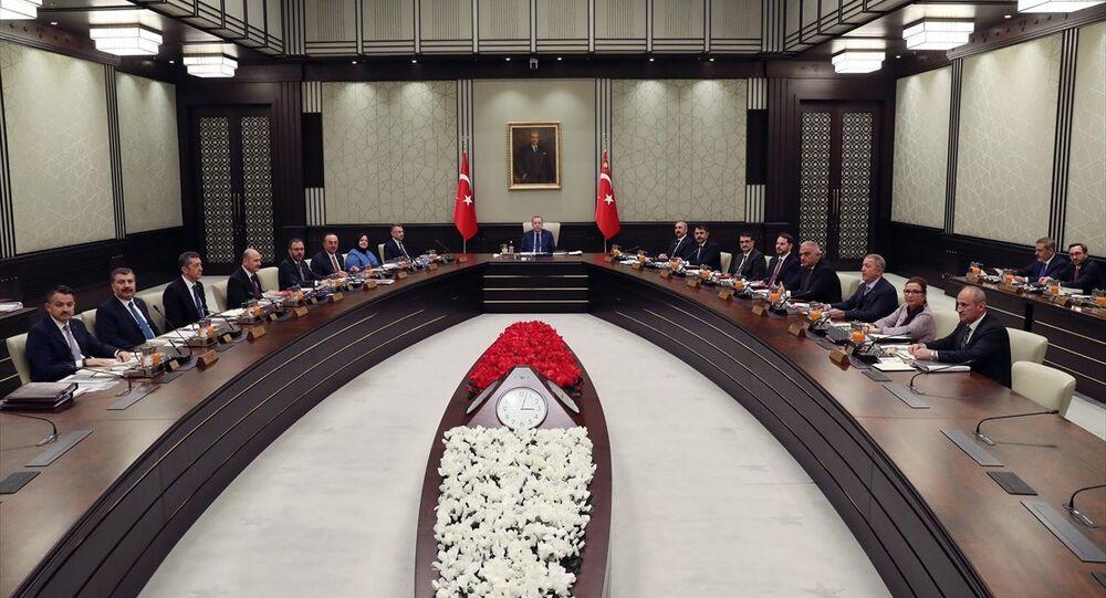 Cumhurbaşkanlığı Kabinesi, Türkiye Cumhurbaşkanı Recep Tayyip Erdoğan başkanlığında Cumhurbaşkanlığı Külliyesi'nde toplandı.