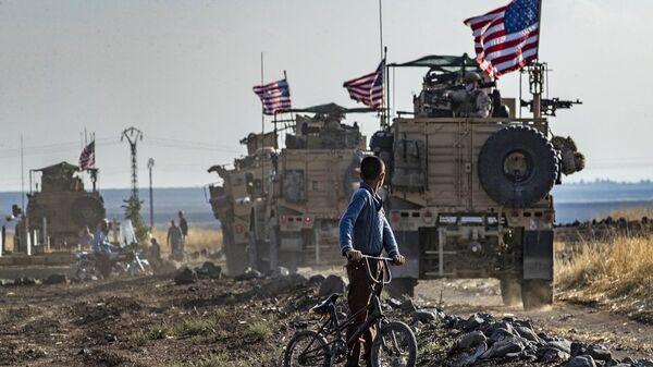 Suriye  - ABD askerleri -  ABD askeri araçları  - Sputnik Türkiye