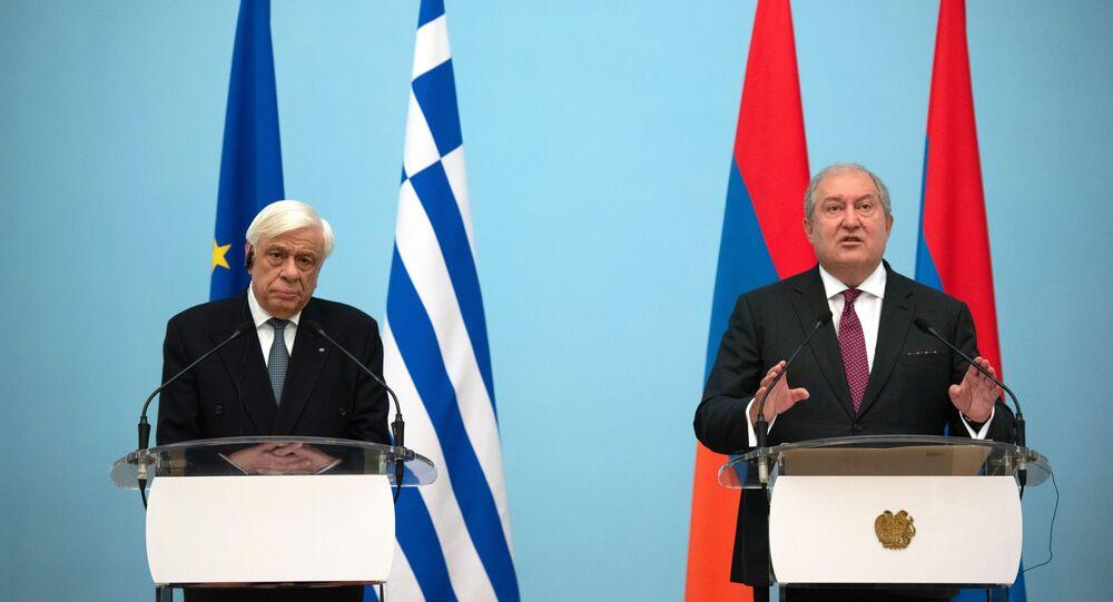 Ermenistan Cumhurbaşkanı Armen Sarkisyan ile Yunanistan Cumhurbaşkanı Prokopis Pavlopulos
